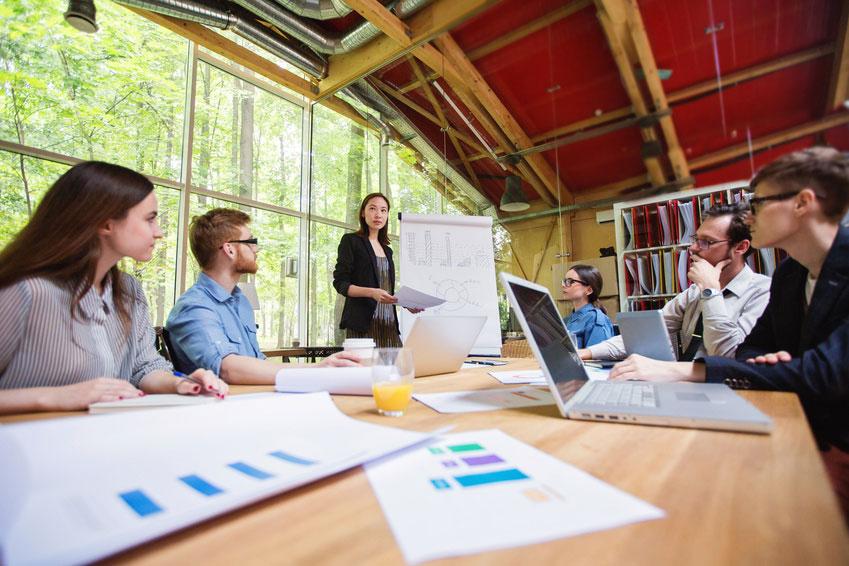 Formation intra entreprise ou inter entreprise : que choisir ?
