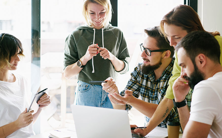 Comment les digital learning managers peuvent accompagner la performance des opérationnels